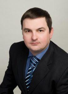 Пластичний хірург Андрій Різник